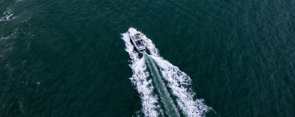 Barca a motore rimessaggio invernale-articolo-blog