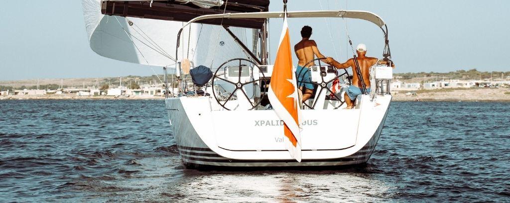 Finalmente si torna in mare, gli accessori indispensabili per l'ormeggio, la sicurezza a bordo e la pulizia della barca